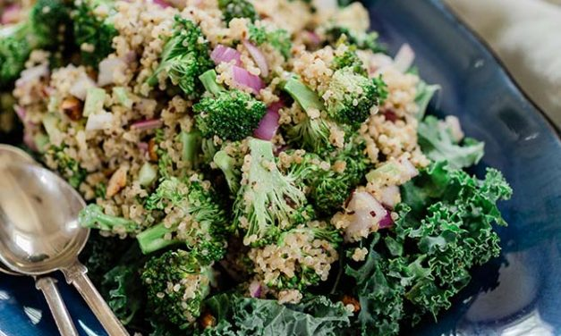 BROCCOLI & QUINOA SALAD WITH CREAMY LEMON YOGURT DRESSING